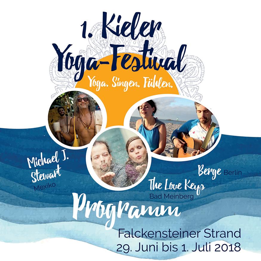 Titelseite des Programmheftes zum 1. Kieler Yogafestival 2018 am Falckensteiner Strand zeigt Michael J. Stewart, The Love Keys und Berge.